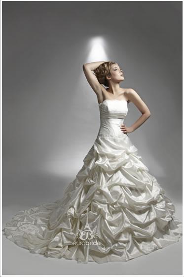 Bridal Euro Bride022lieselroyale1