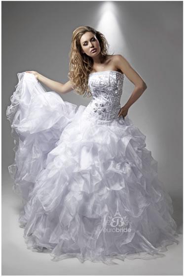 Bridal Euro Bride049madonna1